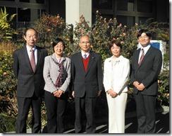 左から大貫、あらき、岩崎、白井、古谷議員
