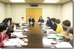 日本共産党前橋市議団と懇談する同横浜市議団